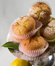 muffins with lemon Candy Crash, Sweet Corner, Lemon Muffins, Special Recipes, Greek Recipes, Deserts, Dessert Recipes, Cupcakes, Sweets