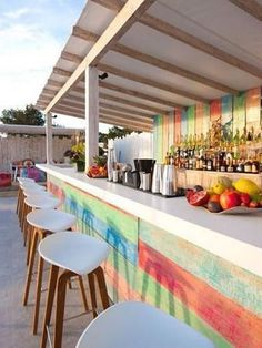 Part of Sa Punta Restaurant, Patchwork is a stylish rooftop restaurant & bar in Talamanca Bay, Ibiza. Patchwork Restaurant in Ibiza offers good Lebanese food. Café Exterior, Exterior Design, Interior And Exterior, Outside Bar Stools, Outside Bars, Pool Bar, Rooftop Restaurant, Restaurant Design, Restaurant Themes