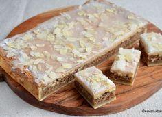 Prajitura simpla cu nuca – reteta veche ungureasca Romanian Desserts, Sweets Cake, Cheddar Cheese, Fudge, Caramel, Sweet Treats, Deserts, Dessert Recipes, Food And Drink