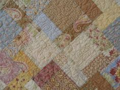 Love this quilting a lot! The quilt is SO pretty!