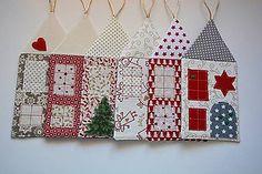 Dekorácie - Vianočný domček na zavesenie - 7373456_