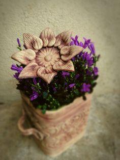Jarní+kvítka+Ozdoba+do+vašeho+květníku.+Velikost+10-12+cm,+kvitka+co+nikdy+neuvadnou.+Jsou+provlekaci,jdou+navleknout+na+drarek+nebo+na+maslicku.