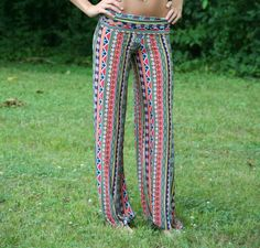 This is one of my favorites on The Paisley Rooster: Saugatuck Yoga Pants Stylish Outfits, Fashion Outfits, Womens Fashion, Stylish Clothes, Silk Pjs, How To Do Yoga, New Wardrobe, Get Dressed, Yoga Pants