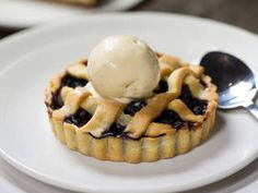 Get ready for America's #independenceday with this recipe for blueberry pie #blueberry #comfortfood #America