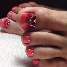 Looking for new and creative toe nail designs? Let your pedi always look perfect. We have a collection of wonderful designs for your toe nails that will be appr Pretty Pedicures, Pretty Toe Nails, Cute Toe Nails, Love Nails, My Nails, Pretty Toes, Pedicure Nail Art, Toe Nail Art, Pedicure Ideas
