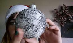 Zelf je kerstballen maken is niet alleen leuk, maar ook nog eens makkelijk.In dit filmpje wordt uitgelegd hoe jedezemooie brocante…