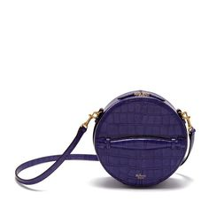 Shop the Trunk Bag in Dark Amethyst Croc Print Leather at Mulberry.com. The trunk bag is the perfect addition to the Trunk family which was unveiled during the Winter'17 Catwalk show. This rounded cross-body bag is reminiscent of a hat box which is a nod back to the 70's era which was indeed the inspiration behind the collection.