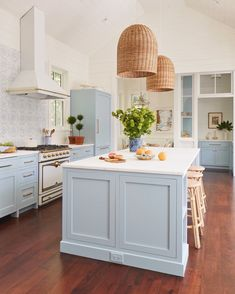 Our Home In Southern Living - Gal Meets Glam - Kitchen Ideas Bright Kitchens, Home Kitchens, Dream Kitchens, Light Blue Kitchens, Beach House Kitchens, Beautiful Kitchens, Bulthaup Kitchen, Kitchen Remodelling, Soapstone Kitchen