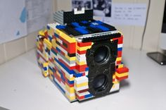 CF Salicath Builds Fully Functional TLR Camera from LEGOs