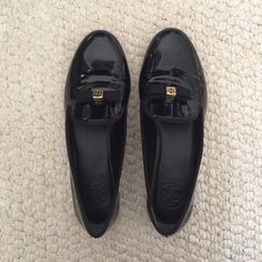 Tory burch loafers Tory burch chandra patent smoking loafers/ flats / slippers in US 8. Great condition, only worn once. Feel free to ask any questions:) Tory Burch Shoes Flats & Loafers