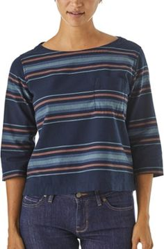 25c07ae12e0 The Patagonia Women's Catbells Top is an adored lightweight flannel with  three-quarter-length sleeves. Made of supersoft organic cotton.
