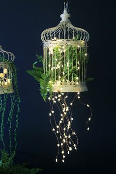 Trendy Bird Cage Centerpiece Fairy Lights Ideas, The bird cage is both a property for your chickens and an attractive tool. You can select anything you want one of the bird cage designs and get a great deal more special images. Indoor Garden, Garden Art, Indoor Plants, Garden Design, Birdcage Planter, Birdcage Decor, Birdcage Light, Bird Cage Centerpiece, Vintage Birds