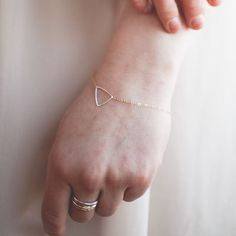 14k Gold Bracelet {love how delicate this is}