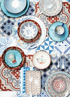 folkloric tableware, Modern Folk by Joanna Henderson via marinagiller.com