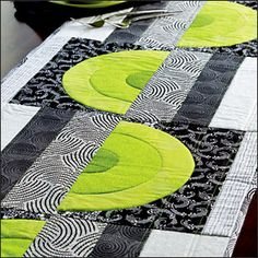 Urban Rainbow quilt pattern free from Quilters World magazine