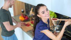 Došla vám zásadní ingredience, bez níž se při přípravě dnešního oběda neobejdete? Budete překvapeni, jak snadno se dají některé přísady do jídel nahradit.