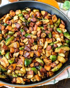 . Fall Chicken Skillet . By @wellplated❤️ check her blog for more incredible recipes link in bio @wellplated . With sweet potatoes, apples, Brussels sprouts, and bacon, this one-pan chicken dinner is ready in less than 30 minutes. Perfect for a healthy fall dinner!