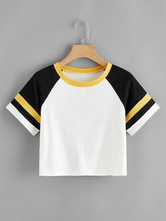 Shop Cut And Sew Varsity Striped Panel Crop Tee online. ROMWE offers Cut And Sew Varsity Striped Panel Crop Tee & more to fit your fashionable needs. Crop Top Outfits, Cute Casual Outfits, Stylish Outfits, Girls Fashion Clothes, Teen Fashion Outfits, Anime Outfits, Jugend Mode Outfits, Belly Shirts, Vetement Fashion
