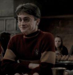 Harry James Potter, Harry Potter Collage, Harry Potter Script, Daniel Radcliffe Harry Potter, Harry Potter Quidditch, Harry Potter Icons, Mundo Harry Potter, Harry Potter Tumblr, Harry Potter Pictures