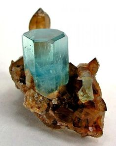 Aquamarine / Mineral Friends