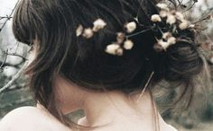 flowers in hair beauty Pretty Hairstyles, Girl Hairstyles, Wedding Hairstyles, Fall Hair, Spring Hair, Flowers In Hair, Peach Flowers, Hair And Nails, Her Hair