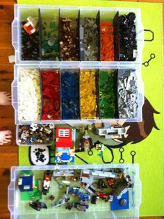 http://theorganisedhousewife.com.au/organising/kids-rooms/40-awesome-lego-storage-ideas/
