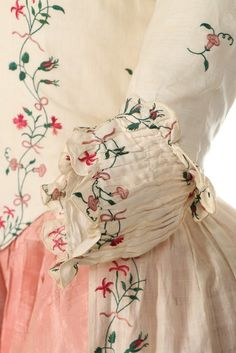 An embroidered lawn robe à l'Anglaise, circa Kerry Taylor Auctions 18th Century Dress, 18th Century Costume, 18th Century Clothing, 18th Century Fashion, Historical Costume, Historical Clothing, Historical Dress, Vintage Dresses, Vintage Outfits