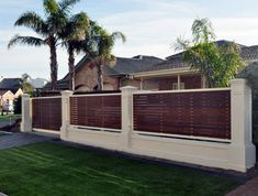 Great Front Yard Privacy Fence Ideas Which Applied With Dark Brown Wooden As Base Of Front Garden Fencing Ideas And Palm Trees Cool Front Garden Fencing Ideas for Boosting Exclusive Facade Garden Fence Art, Diy Fence, Fence Landscaping, Backyard Fences, Garden Fencing, Fenced In Yard, Backyard Privacy, Pallet Fence, Rustic Fence