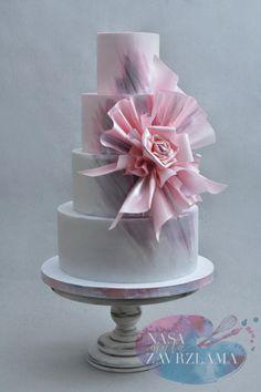 Modern Wedding Cake by Nasa Mala Zavrzlama - http://cakesdecor.com/cakes/287586-modern-wedding-cake