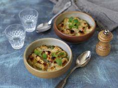 Gratinerad grönsakssoppa Hummus, Eggs, Breakfast, Ethnic Recipes, Food, Morning Coffee, Essen, Egg, Meals