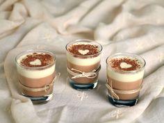 #Mousse ai tre cioccolati, #cioccolato fondente, al latte e bianco con una spolverata di cacao