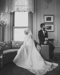 """Instagram'da Zarif Film Fotoğraf: """"Sadeliğiyle büyüleyen ✨ Siz bu tarzı nasıl buldunuz? ✨"""" Muslim Wedding Dresses, Muslim Brides, Muslim Couples, Bridal Wedding Dresses, Wedding Poses, Muslim Girls, Wedding Ideas, Bridal Hijab, Hijab Bride"""