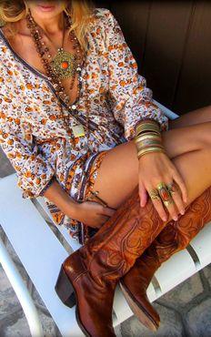bohemian boho style hippy hippie chic bohème vibe gypsy fashion indie folk look outfit Hippie Style, Look Hippie Chic, Boho Chic, Estilo Hippie Chic, Look Boho, Gypsy Style, Boho Gypsy, Bohemian Style, Ibiza Style