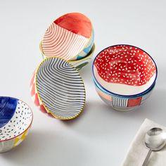 Ceramic Pottery, Pottery Art, Painted Pottery, Painted Mugs, Hand Painted Plates, Ceramic Painting, Ceramic Art, Pottery Painting Designs, Paint Designs