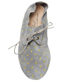 cute lace up flats/oxfords Fashion Mode, Look Fashion, Fashion Shoes, Womens Fashion, Girl Fashion, Polka Dot Shoes, Polka Dots, Lace Up Flats, Gray Flats