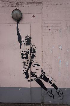 Zoom/ Баскетболист Майкл Джордан.