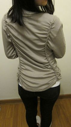 turn an oversized t shirt into a fitted gem using braids - no sewing!