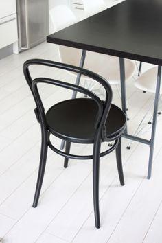 homevialaura   TON Chair 14   black vienna chair