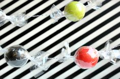 Hank and Hunt - HOME - HOW TO MAKE A HALLOWEEN CANDYGARLAND