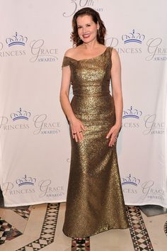 Geena Davis - for showing women can grow old gracefully, without the need to yank their face half-way up their head & still look damn gorgeous. Geena Davis, Kim And Kanye, 30th Anniversary, Aging Gracefully, Womens Fashion, Female Fashion, Awards, Princess, Formal Dresses