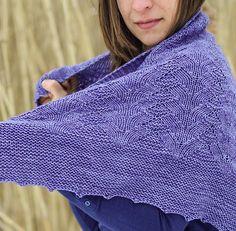 Cascade knitting patterns: Inglenook Shawl by Gabrielle Vézina, download on LoveKnitting