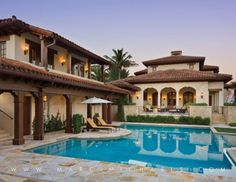 Spanish style home florida pool