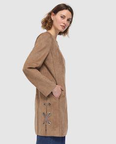 Abrigo de antelina en color marrón camel 6bd3115b3aac