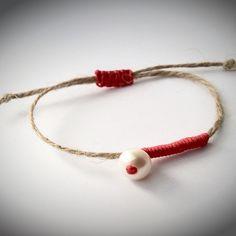 DIY jewelry ideas from recyclable materials Diy Beaded Bracelets, Summer Bracelets, Handmade Bracelets, Stylish Jewelry, Diy Jewelry, Jewelery, Jewelry Patterns, Bracelet Patterns, Handmade Rakhi Designs