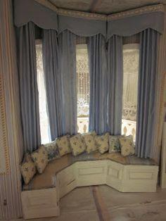 Beautifullll window seat