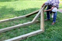 How to Make a Free-Standing Hammock Stand | Hunker Wooden Hammock Stand, Hammock Frame, Diy Hammock, Backyard Hammock, Hammocks, Hammock Ideas, Outdoor Hammock, Backyard Patio, Hammock Posts