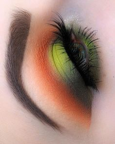 Makeup Eye Looks, Creative Makeup Looks, Cute Makeup, Glam Makeup, Makeup Inspo, Eyeshadow Makeup, Makeup Art, Makeup Inspiration, Green Makeup