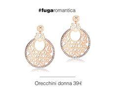 Orecchini in metallo con bagno in oro rosa e cristalli bianchi Luca Barra Gioielli. #orecchini #donna #lucabarragioielli #mood #fashion #musthave