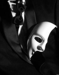 Opera mask picture, by Remsphoto for: masks 3 photography contest . Opera Mask, Black Tie Affair, Dark Photography, Mirror Photography, Arte Horror, Photography Contests, Black Heart, Gentleman Style, Dark Art