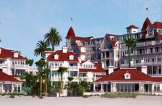 http://www.bing.com/images/search?q=Marilyn Monroe Hotel Del Coronado